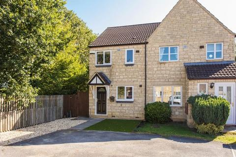2 bedroom semi-detached house for sale - Redwing Close, Bicester