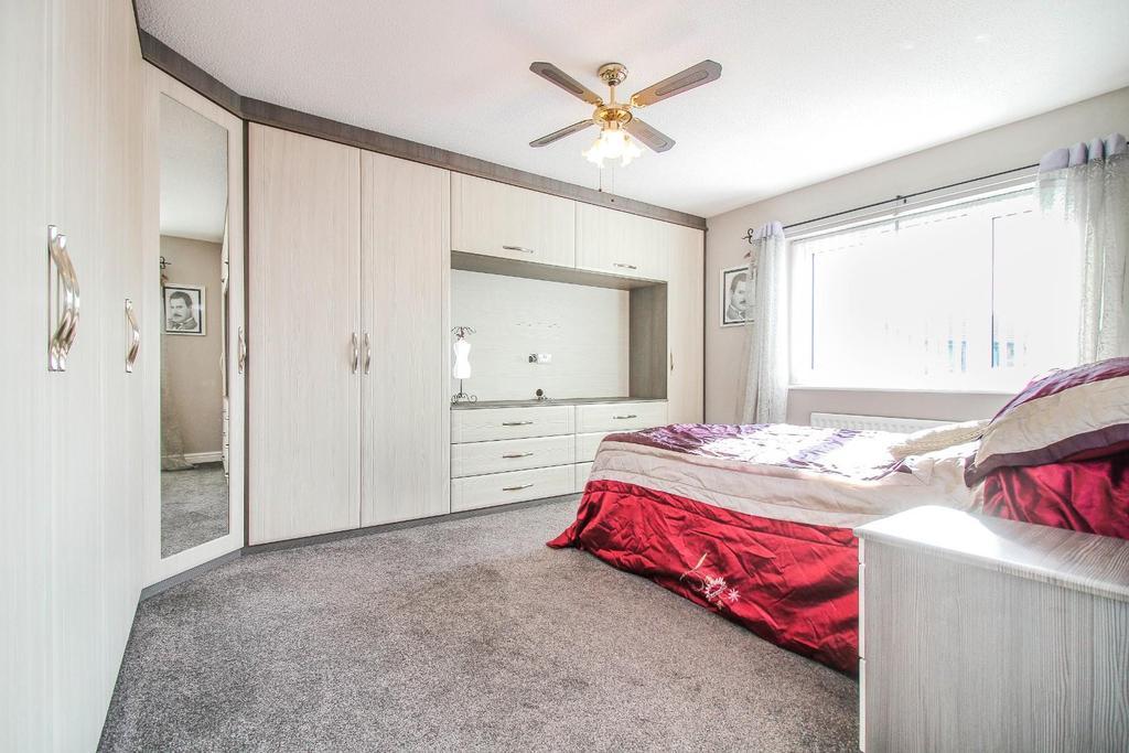 ,bedroom.jpg