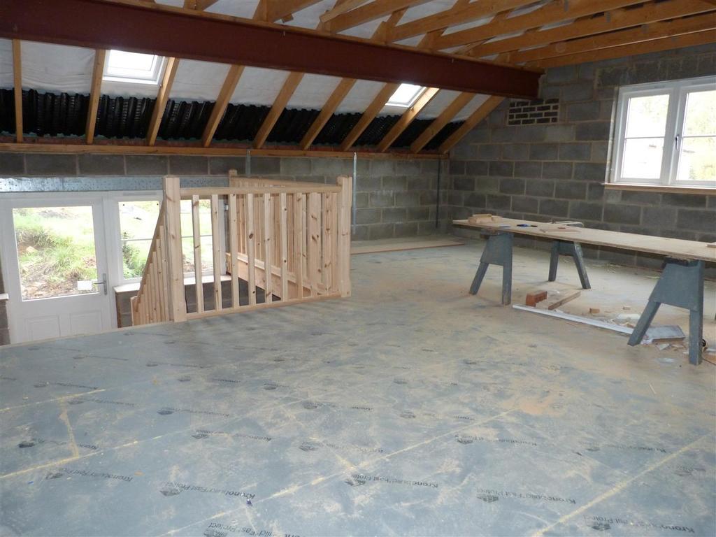 Large room over garage