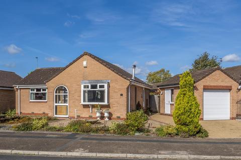 2 bedroom detached bungalow for sale - Rishworth Grove, York, YO30 4XS