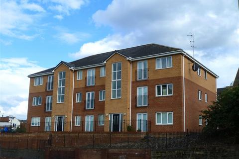2 bedroom flat to rent - Hollyberry Close, Halesowen, West Midlands, B63