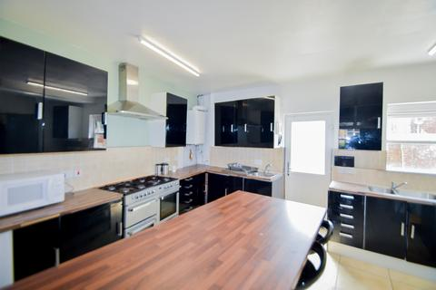 8 bedroom terraced house to rent - Broomspring Lane, Sheffield S10