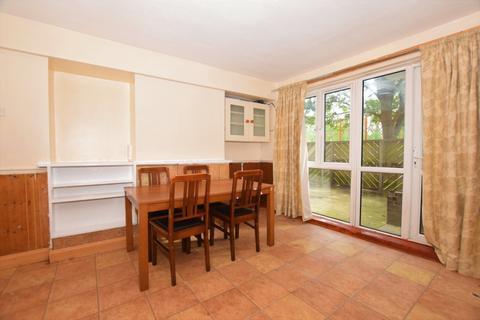 3 bedroom flat to rent - Longfield Estate London SE1