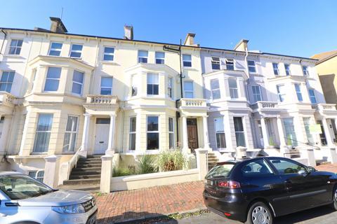 2 bedroom flat for sale - Upperton Gardens, Eastbourne, East Sussex, BN21