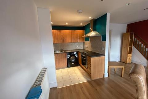 3 bedroom flat to rent - Catharine Street, Liverpool L8