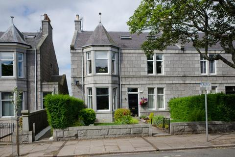 4 bedroom flat to rent - Forest Avenue, Aberdeen, AB15