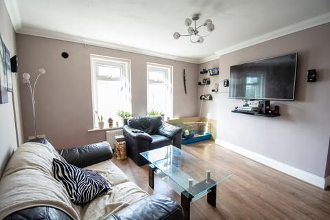 2 bedroom flat for sale - 2 BED FLAT, BH15
