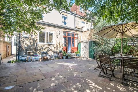 6 bedroom semi-detached house for sale - Arragon Gardens, London, SW16