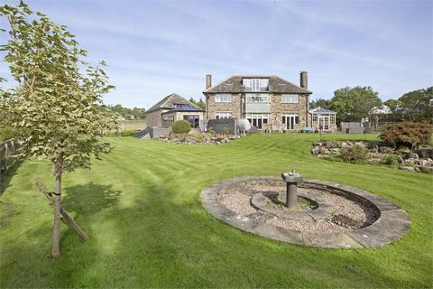 6 bedroom detached house for sale - Shaw Beck, Wills Gill, Guiseley, West Yorkshire