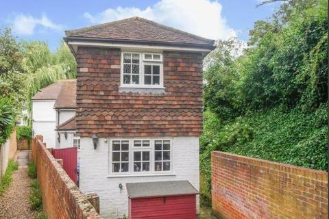2 bedroom semi-detached house for sale - Sutton Road, Cookham