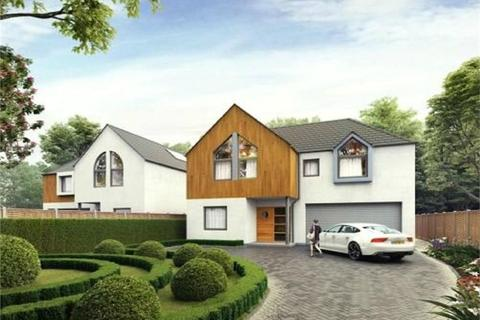 5 bedroom property with land for sale - Queens Road, HERSHAM, WALTON-ON-THAMES, Surrey