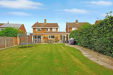 4 bedroom detached house for sale - Oakridge Way, Stafford