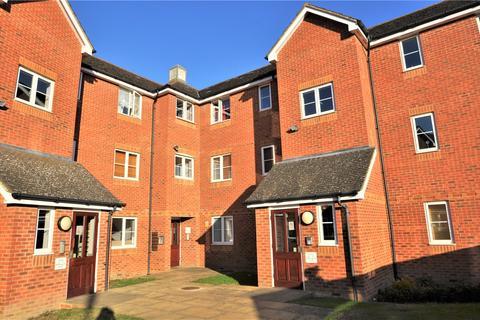 2 bedroom flat to rent - Richard Hillary Close, Ashford, TN24