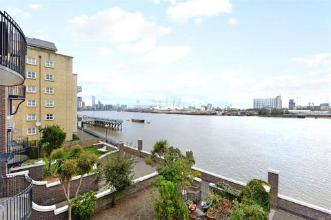 5 bedroom semi-detached house to rent - Mariners Mews, London, E14