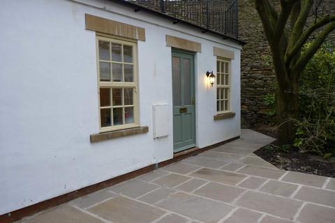 Studio to rent - Castle Hill, Richmond