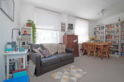 2 bedroom flat to rent - Avenue Road, Tottenham, N15