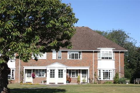 3 bedroom apartment for sale - Trafalgar Court, Farnham, Surrey, GU9