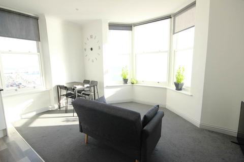 1 bedroom flat to rent - Kings Road, Brighton, East Sussex