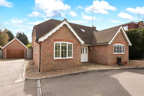 4 bedroom detached house to rent - Willow Close, Chalfont St Peter, Gerrards Cross, SL9