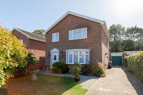 4 bedroom detached house for sale - St. Peters Court, Broadstairs