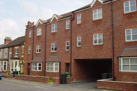 2 bedroom apartment to rent - Two Bed Flat with Parking on Cambridge St