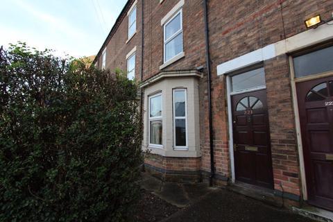 4 bedroom terraced house to rent - Queens Road, Beeston, NG9 2BT
