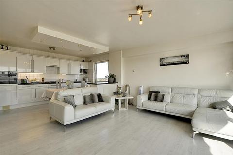 2 bedroom apartment for sale - Westbourne House, Wheatlands, Heston