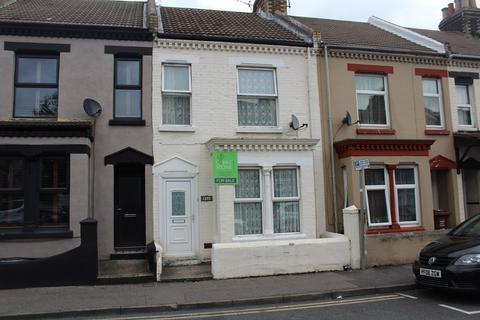 3 bedroom terraced house for sale - Balmoral Road, Gillingham, ME7