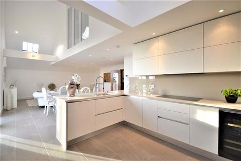 3 bedroom penthouse for sale - Antlia Court, Enfield, Middlesex