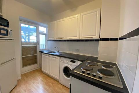 2 bedroom apartment to rent - Chichester Place, Kemp Town, Brighton