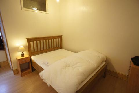 Studio to rent - Parkers Road, Broomhill, Sheffield, S10 1BN