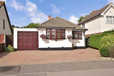 3 bedroom detached bungalow for sale - Bridge Road, Wickford, Essex