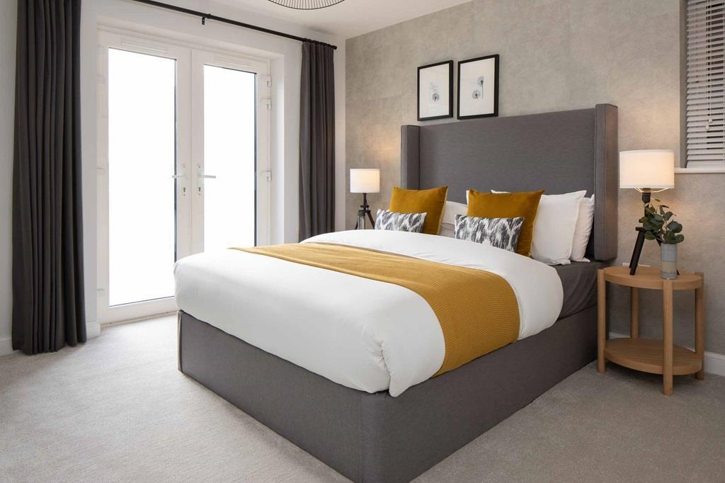 Apartment main bedroom
