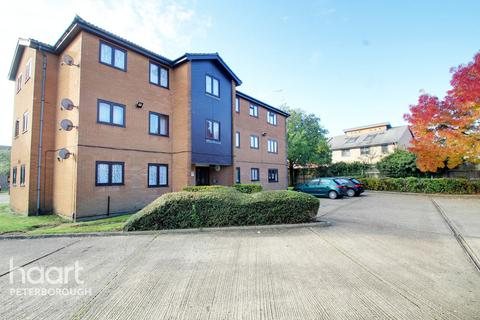 2 bedroom flat for sale - Stagshaw Drive, Peterborough