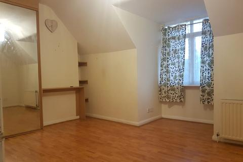 Studio to rent - Green lane, dagenham