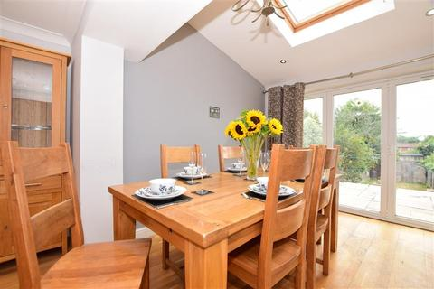 3 bedroom semi-detached house for sale - Collard Road, Willesborough, Ashford, Kent