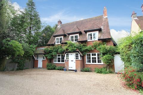 4 bedroom detached house for sale - The Green, Croxley Green, Rickmansworth