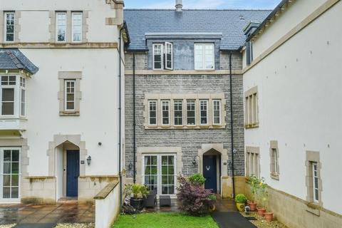 3 bedroom townhouse to rent - Western Courtyard, Talygarn Manor, Pontyclun, CF72 9WR