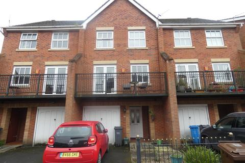 4 bedroom townhouse to rent - Holden Avenue, Whalley Range