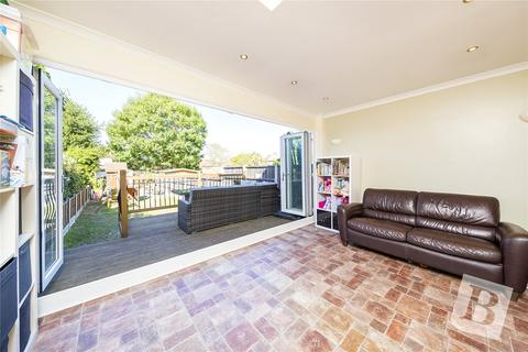 3 bedroom terraced house for sale - Stanley Road, Hornchurch, RM12