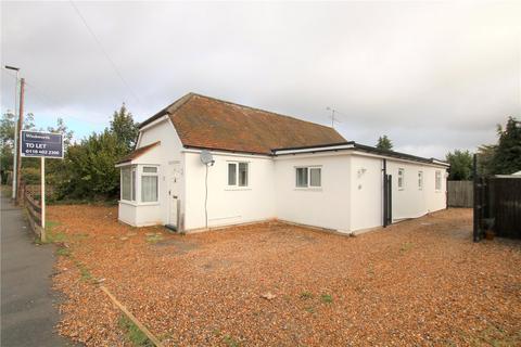 3 bedroom detached bungalow to rent - Loddon Bridge Road, Woodley, Reading, Berkshire, RG5