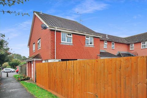 2 bedroom semi-detached house for sale - Cypress Avenue, Worthing.