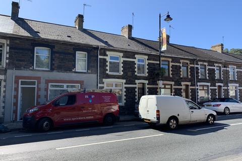 2 bedroom flat to rent - Commercial Street, Risca NP11