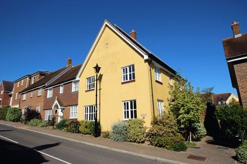 4 bedroom semi-detached house for sale - Middle Village, Haywards Heath