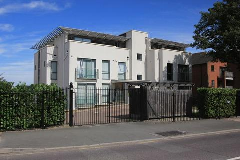 2 bedroom apartment to rent - Albemarle Road, Beckenham