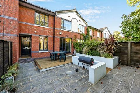 2 bedroom terraced house for sale - Gloucester Square, London E2