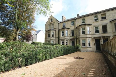 4 bedroom house to rent - Pulteney Road
