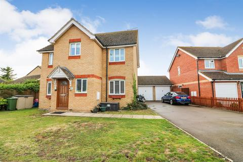 4 bedroom detached house for sale - Curlew Avenue, Mayland