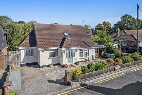 5 bedroom chalet for sale - Grosvenor Road, Kennington, Ashford