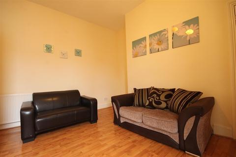 3 bedroom house share to rent - Mundella Terrace, Heaton